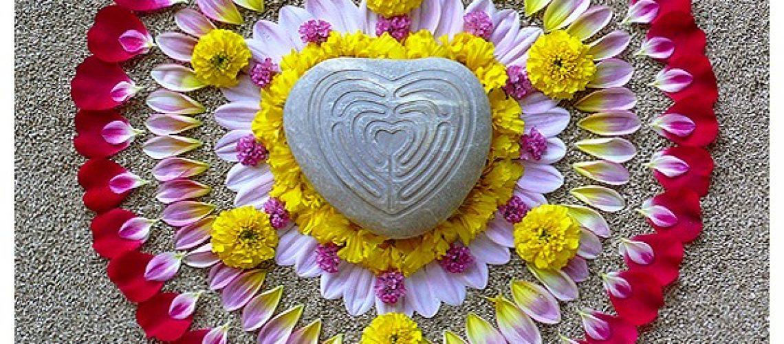 nature natural earth work environmental flower floral earthereal art botanical healing mandala heart labyrinth; love labyrinth; finger labyrinth;  meditation; journey; prayer; pathway; blessing, milagro